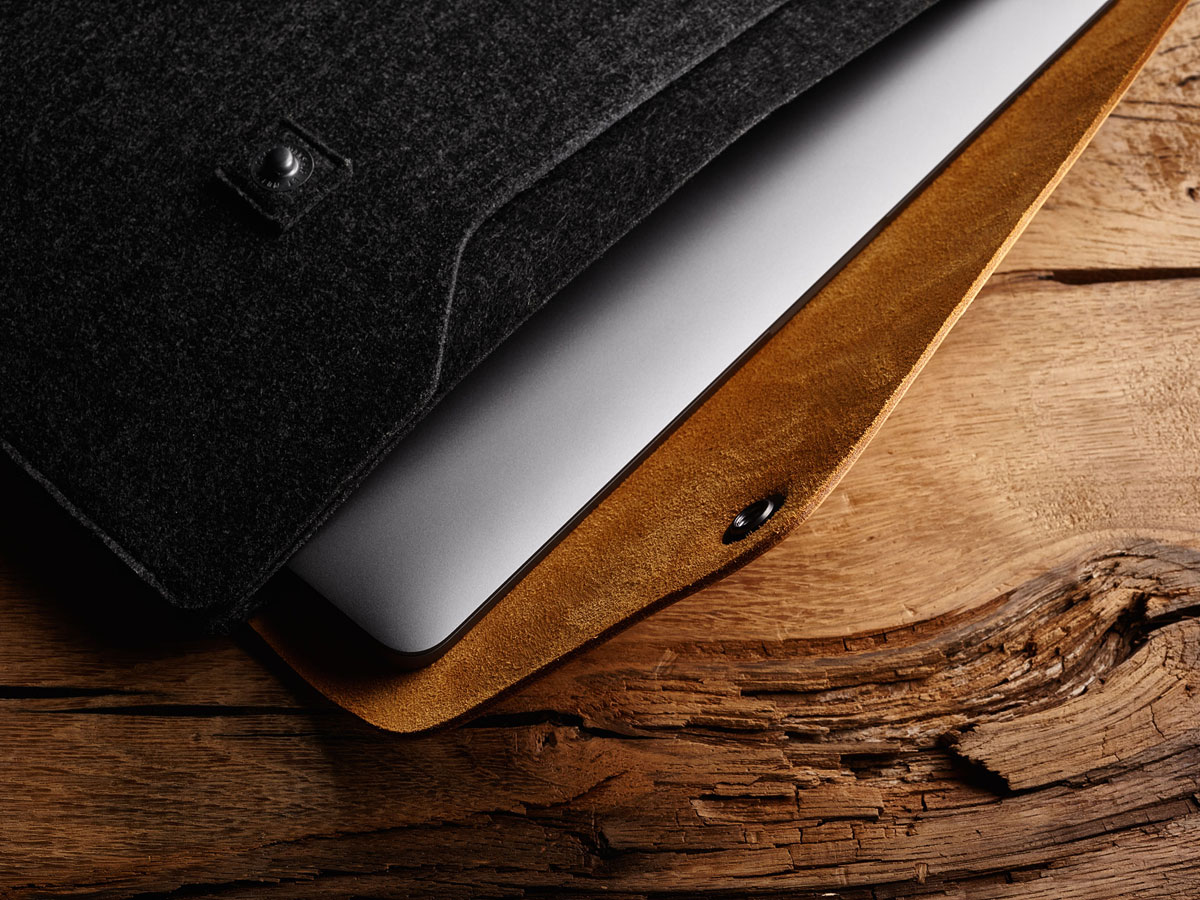 Mujjo Envelope Sleeve Tan - MacBook Pro 15