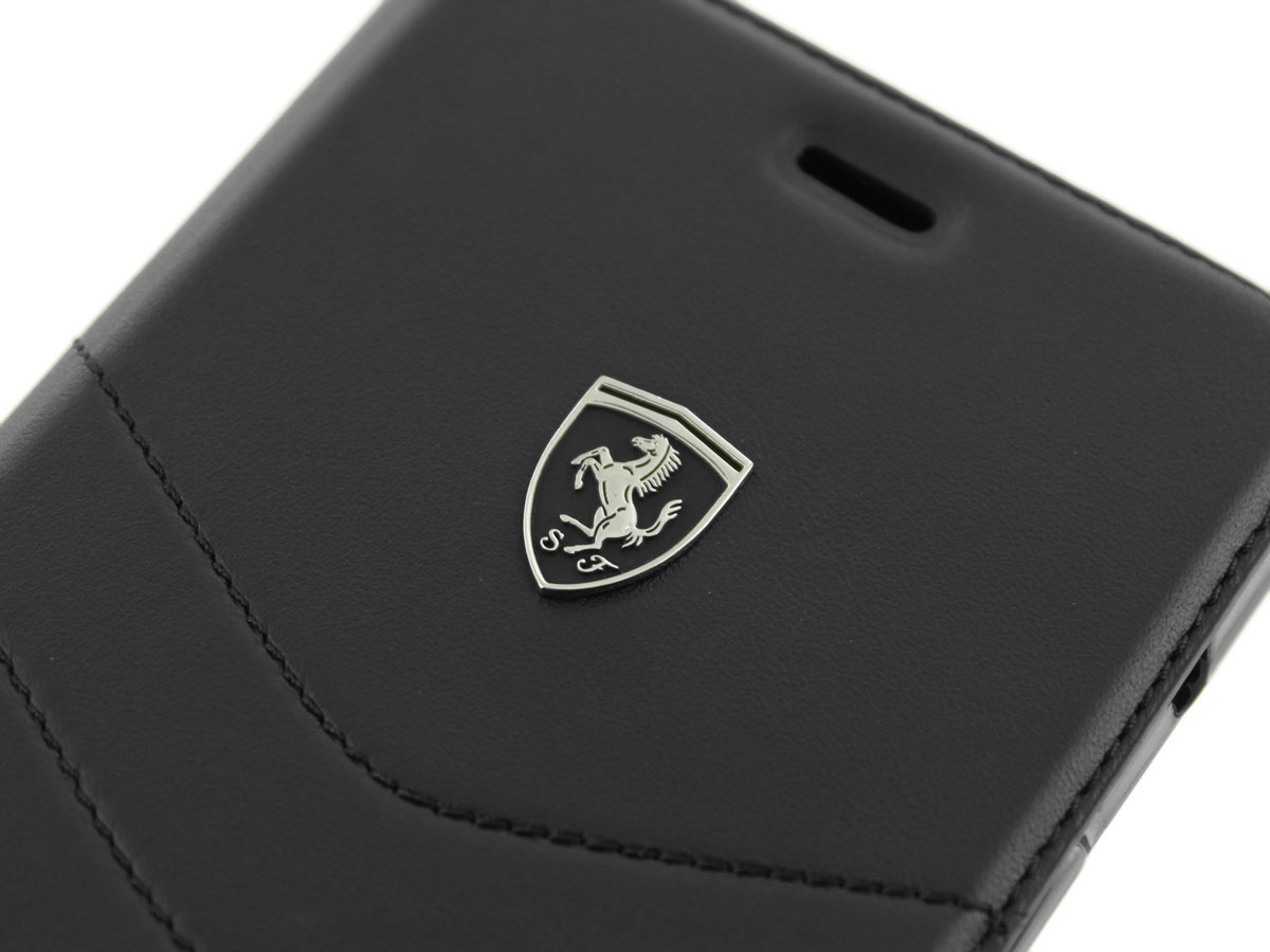 Ferrari Heritage Quilted Bookcase - iPhone 8+/7+/6s+ hoesje