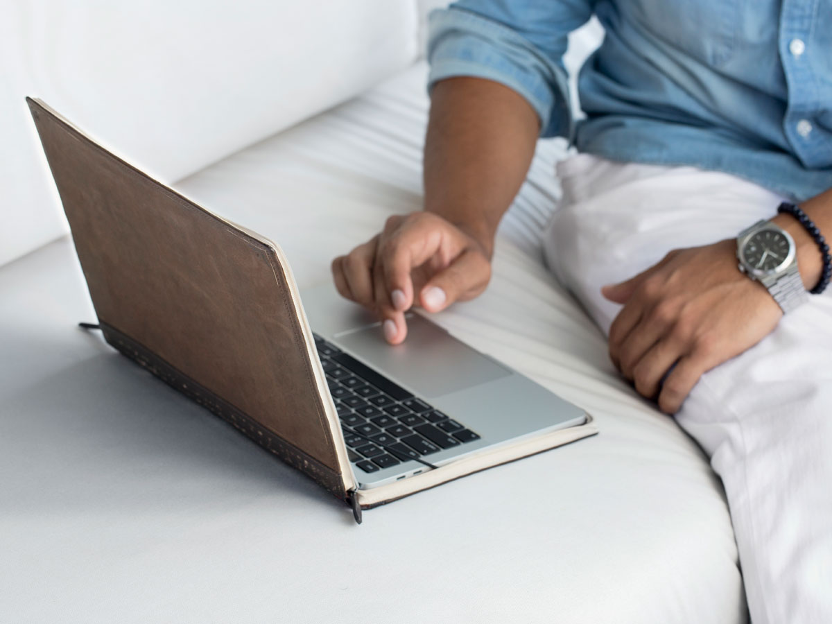 Twelve South BookBook Cover - MacBook Air/Pro 13