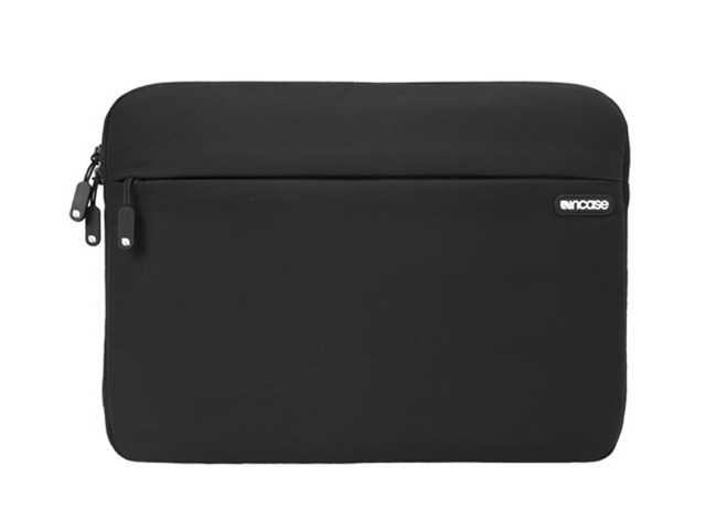 Incase Nylon Sleeve voor MacBook Pro 13 inch