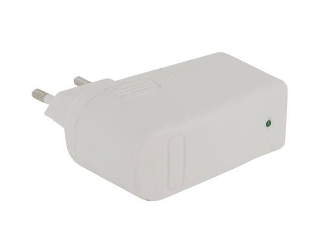 220V USB Multivolt Oplader voor iPad/iPod/iPhone